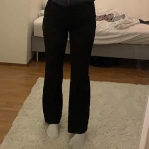 Storlek 38 passar mig som är 166cm lång 💕💕 +frakt