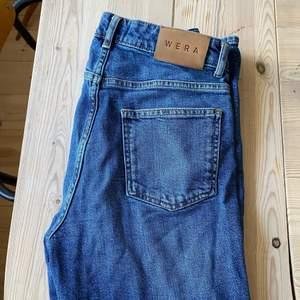 ett par helt nya WERA jeans, passar tyvärr inte mig så säljer dom vidare. kostar 600 i nypris!