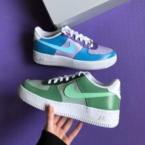 Kolla in instagram, StainsCustoms, för att beställa ett par custom Nike air force eller Jordans. 🥰