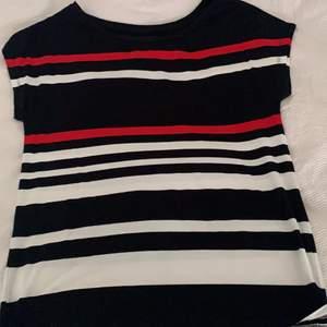 Tshirt/ blus, storlek XS