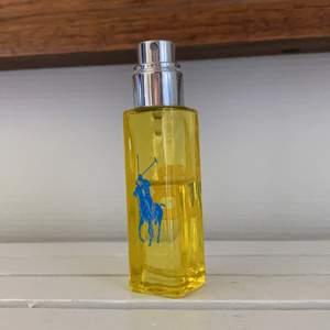 Säljer denna parfym köpt dec 2020. Säljes för 63kr, frakt tillkommer 💗
