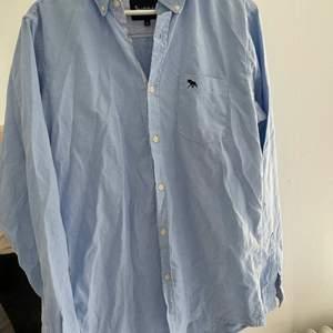 Bondelid skjorta i storlek M i bra skick :)