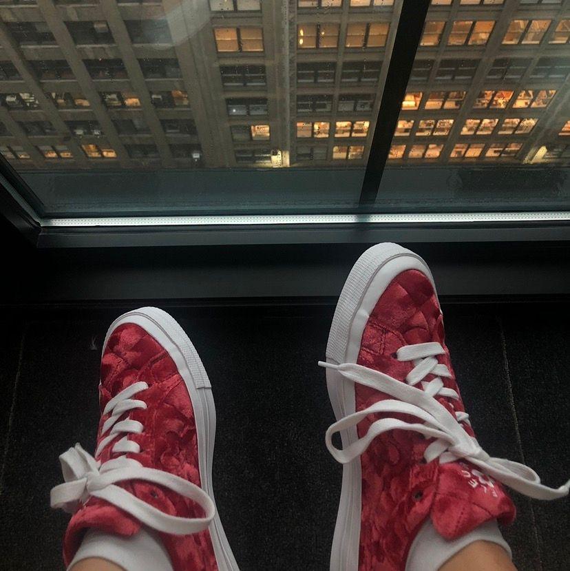 Riktigt feta skor i velour slm tyvärr inte kommer till användning! Kom med bud! Relativt bra skick. . Skor.