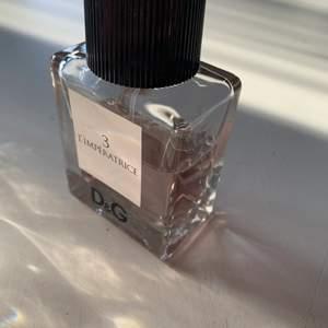 Parfym 30 ml kvar D&G 3 L'IMPERATRICE. Pris250