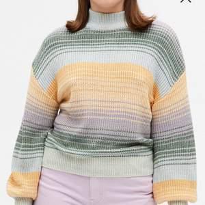 Säljer denna knitwear från monki då den inte kommer till användning. Slutsåld på monki just nu, köpte för 300kr. Använd 1 gång. Storlek XL men passar mer storlekar beroende på önskad passform. Priset är inklusive frakt(66kr).