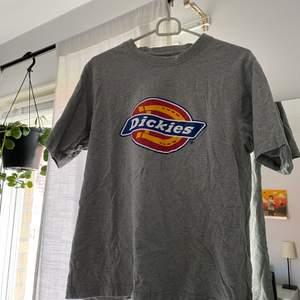 Dickies t-shirt i storlek M! Aldrig använd