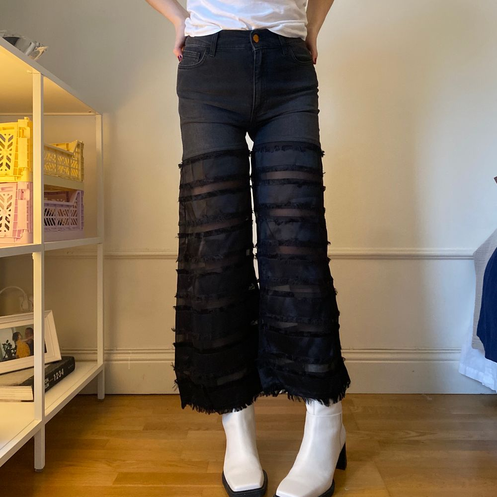 Knappt använda. storlek 26, ankellånga.. Jeans & Byxor.