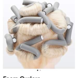 Säljer 6 st sånna här för att locka håret utan värme! Köpt för ca 60 kr och bara använd 1 gång, säljer då jag fått en ny locktång! Man får väldigt lockigt och fluffigt hår av de! (Första bilden är lånad).