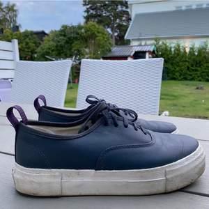 Så fina Eytys skor. Använda 1 gång pga att dom är för små😭