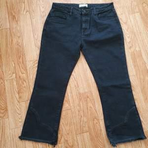 Helt nya ankel jeans från märket One teaspoon svarta storlek 31