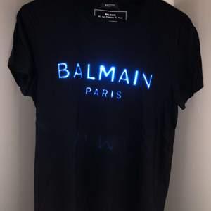 Äkta Balmain T-shirt storlek S! Orginal pris :- 3199kr