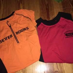 """Den oranga är en t-shirt och andra en """"baseball"""" tröja. 60kr/st eller båda för 100kr. Betalning sker via swish och köpare står för ev frakt."""
