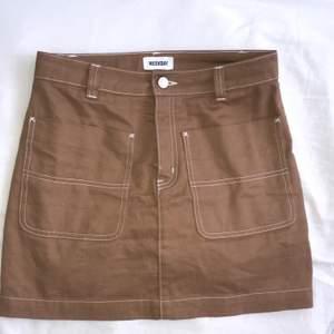Snygg kjol från Weekday. Använd få tal gånger😌