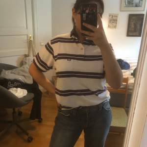 As söt randig piké tröja! Passar mig som är S/M. Mycket bra skick. Säljer pga används för lite.