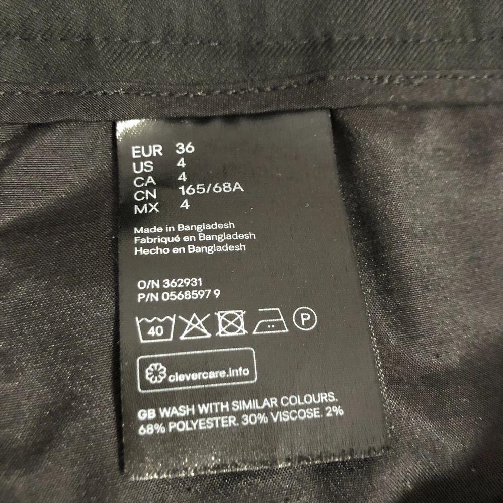Köpta här på plick men tyverr förstora:(( 70kr + frakt. Jeans & Byxor.