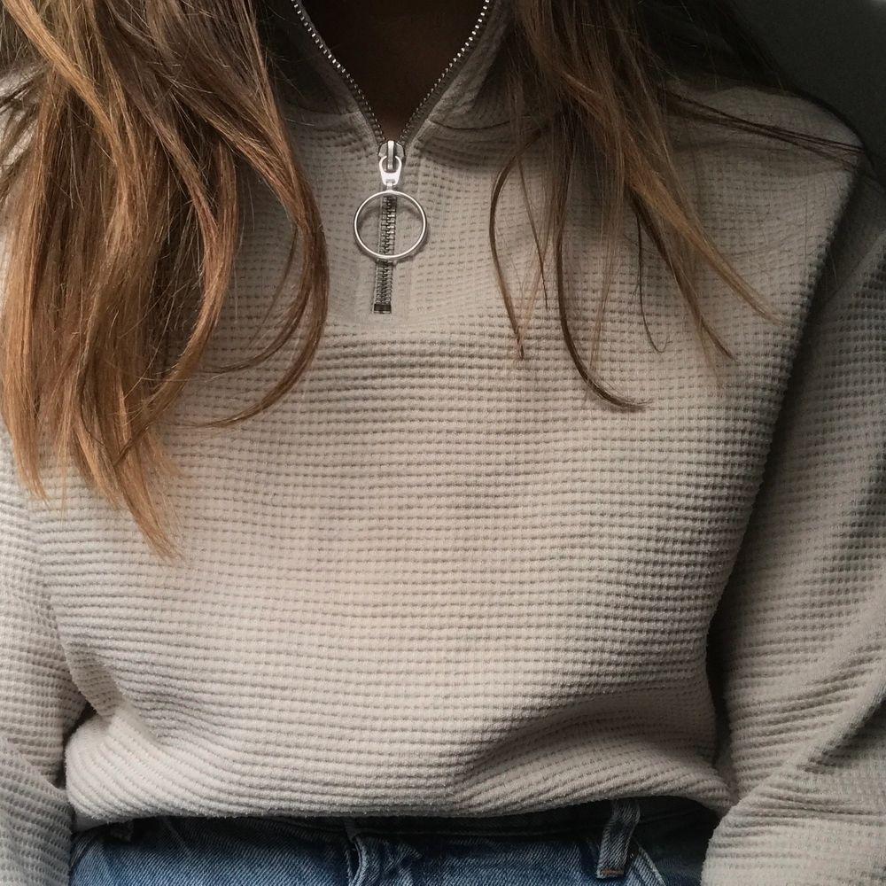 En tröja som tyvär inte kommer till andvändning . Tröjor & Koftor.