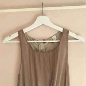 Söt klänning från H&M Devided.