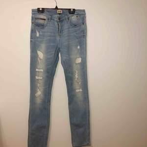 Jeans från Tommy Hilfiger, knappt använda någonting