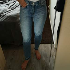 Vintage straight leg 29. Supersköna jeans med ljus färg.