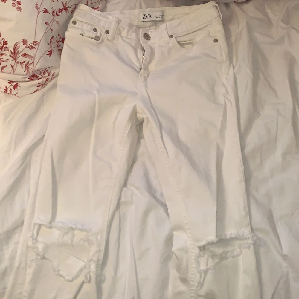Knappt använda super bra skick ingen missfärgning. Har bortvalt. Jeans & Byxor.