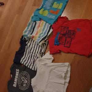 11 tröjor och 6 t-shirts i fint skick!