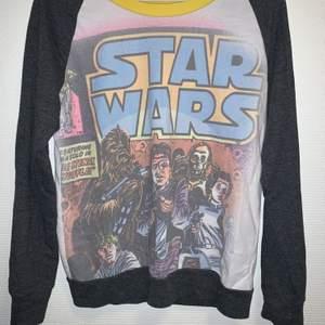 Mycket fin och bekväm vintage Starwars Tröja. Official Merchandise. Bra skick. storlek S/M