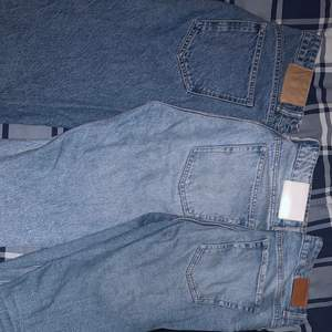 Snygga jeans i bra skick timme extremt bra pris.