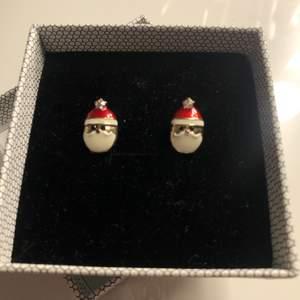 Säljer nu dessa super söta örhängen! Kontakta mig vid intresse🥰