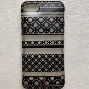 Säljer mitt iPhone 7/8 skal från day birger et mikkelsen. Säljer pågrund av att jag har iPhone 11. Skalet är i bra skick. Köparen står för frakten:)