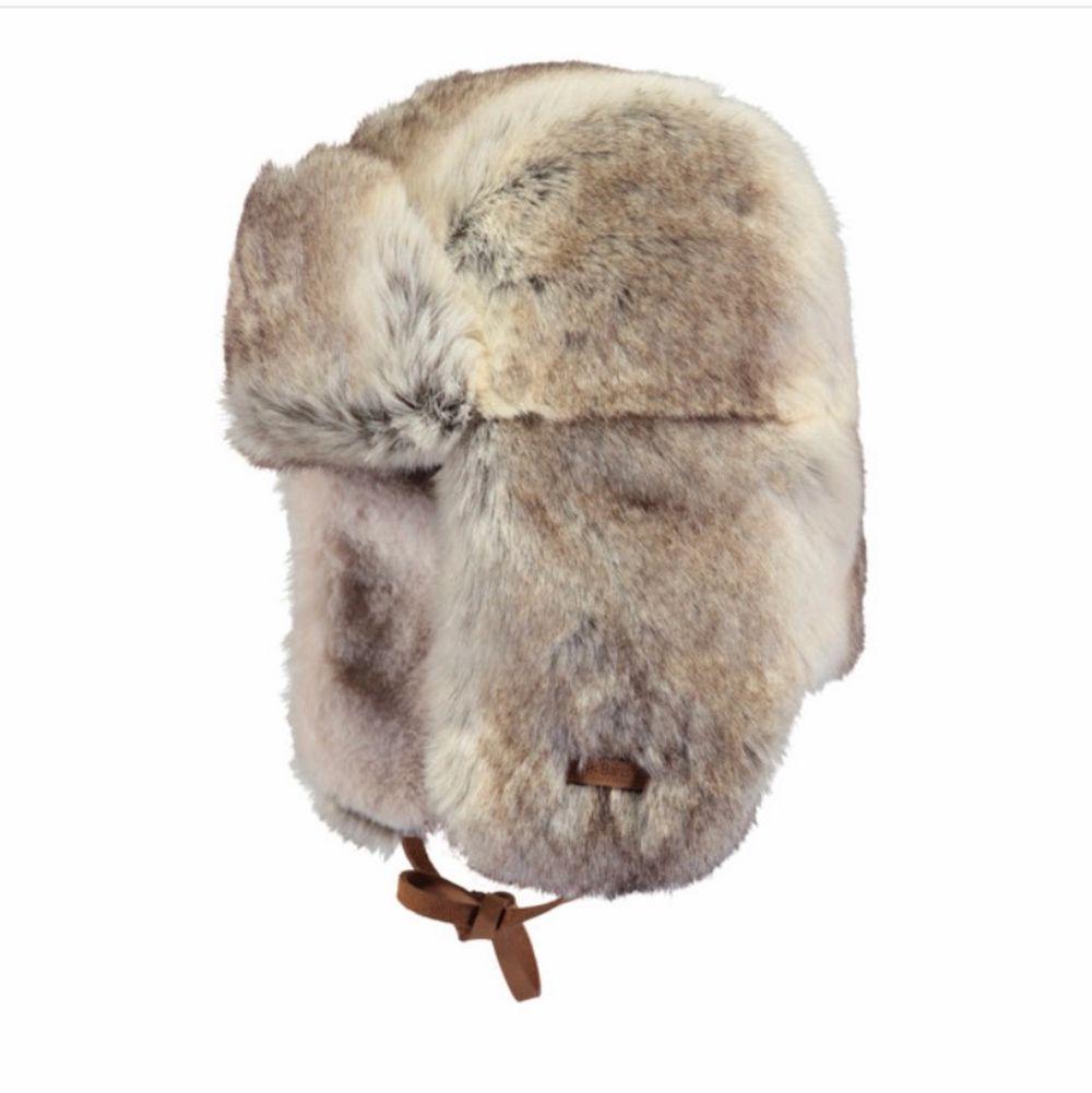 Björnfitta köpt på Naturkompaniet för 750kr! Har två stycken varav en är oanvänd med lappen på, buda från 500 eller köp direkt för 750❤️❤️. Accessoarer.