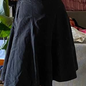 STIGLUNDS MALMÖ kjol i L/XL