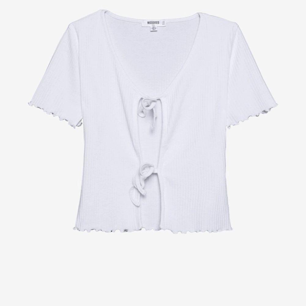 säljer då jag inte använder den så mycket 💕 sååå fin, verkligen en favorit i garderoben, sparsamt använd och väldigt fin i skicket💘 . Toppar.