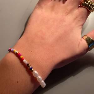 Jättefint helt nytt armband, råkade beställa 2 st😊