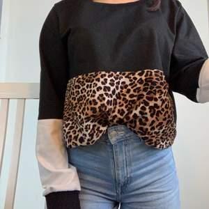 En söt leopard tröja från SHEIN. 40 kr inkl frakt ❤️