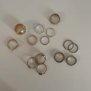 Blandade ringar från olika märken 💕 Alla helt oanvända, från bl.a Safira, Mulli Collection, Pilgrim & olika butiker i Danmark - 1 för 15kr & alla/14 för 120kr