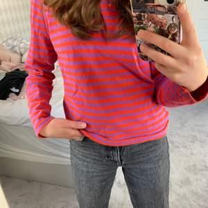 Snygg tröja från bikbok