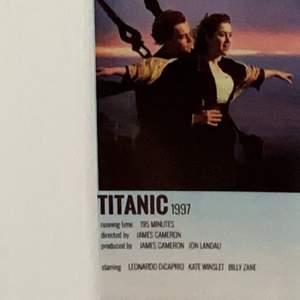En liten Titanic bild man kan ha i mobil skalet eller på väggen