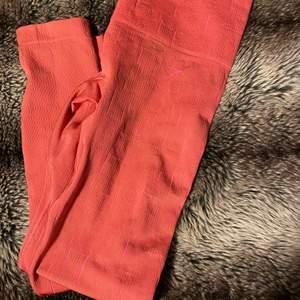 Rosa Gymshark tights, lyser i mörkret använda 1 gång pris går att diskutera