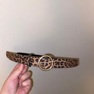 Säljer detta superfina leopard skärp från H&M