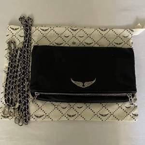 Super snygg väska från Zadig & Voltaire💗💓💓               Nypris 3200kr  HÖGSTA BUD: 1550💕