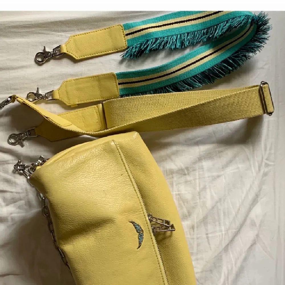 Fin zadigväska, två band medföljer🥰 lånad bild av förra säljaren . Väskor.