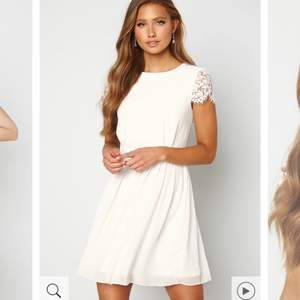 Superfin vit klänning. Perfekt till student eller skolavslutning!!🤍🤍🤍 aldrig använd & prislapp kvar. Nypris 799 & slutsåld i denna storlek på hemsidan. Hör av dig vid fler frågor. Vid snabb affär kan pris diskuteras☺️
