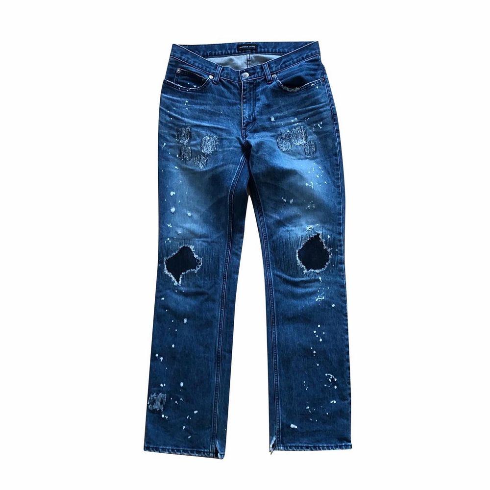 Bra skick bortsett från skada på benöppningarna. Skriv för mer info!. Jeans & Byxor.