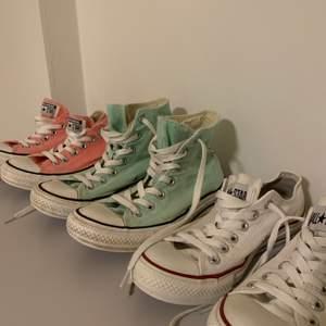 Säljer tre olika par Converse i storlek 37/38. Säljer de för 200 kr/st.                                                                              De rosa är i storlek 38.                                                          De mintgröna är sålda.                                                         De vita är i storlek 37.