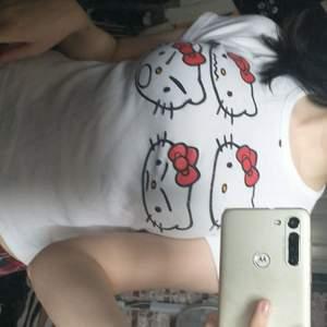 super söt hello kitty tröja!! bra skick