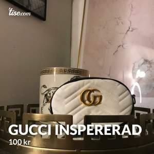 Gucci inspirerad väska Som kan användas som både skärp och axelremsväska🥰 100kr🥰
