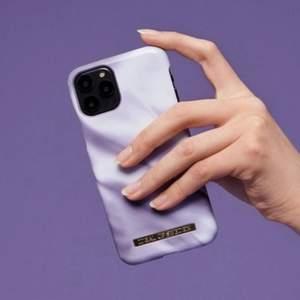 (lånad bild) säljer detta mobil skal för att jag nu bytt mobil och nu passar det ej längre, synd för tycker verkligen om det! Köpare står för frakten! 💜