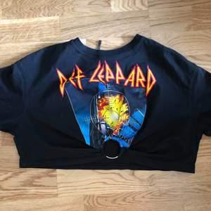 Def Leppard t-shirt size xs/s