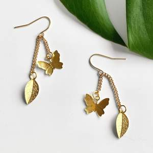 🌱 Meadow earrings 🌱 Supertunna fjärilar och blad✨