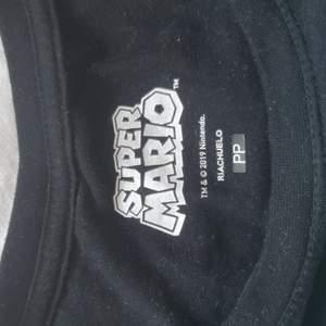 Söt super Mario tröja från brasilien♡ passar en M men också L då den är lite strechig♡ köparen står för eventuell frakt♡
